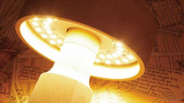 个性定制的创意灯塔台灯