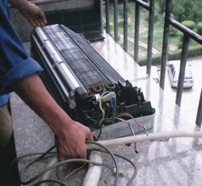 黄冈空调维修品种有:三菱,日立 松下   tcl,lg,海尔 格力,美的,春兰